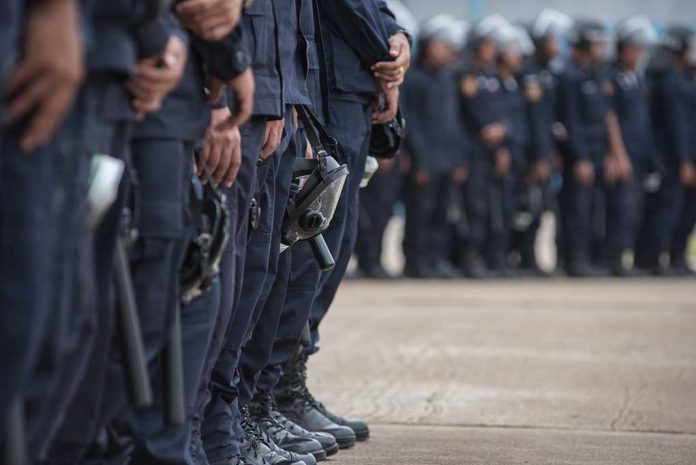 Law Enforcement Stepping In to Protect Second Amendment